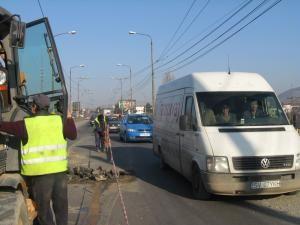 Traficul rutier pe pod va fi limitat doar la o bandă de circulaţie
