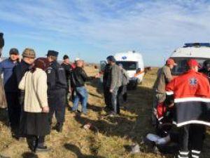 Primul conflict de pe ogoarele din Vârfu Câmpului s-a soldat cu spitalizarea a zece persoane. Foto: Monitorul de Botoşani