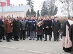 Liderii administraţiei locale, reprezentanţi ai organizaţiilor politice, consilieri locali la festivităţile organizate cu prilejul zilei de 1 Decembrie la Rădăuţi