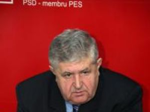 Reacţie: Pentru onorul la Boc, PSD analizează posibilitatea unei moţiuni pe Apărare