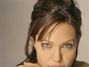 Angelina Jolie vrea să trăiască în Africa