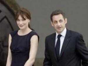 Carla Bruni şi Nicolas Sarkozy au efectuat o vizită privată la Taj Mahal