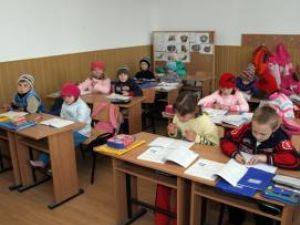 Unii dintre elevii din judeţ vor merge la şcoală în Ajunul Crăciunului