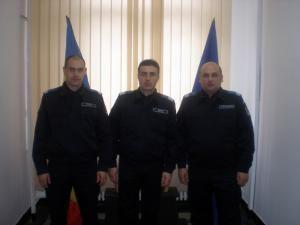 Plutonierul Vasile Timu, plutonierul major Iulian Hriţ şi plutonierul Neculai Prostire