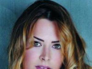 Cristina Cepraga este imaginea unei firme de accesorii din Italia