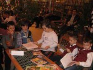 Zeci de tineri s-au întâlnit sâmbătă în Parcul Lecturi urbane