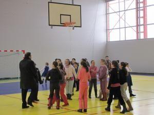 Sala de sport va fi folosită de elevii şcolii din Bosanci