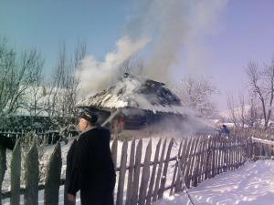 Incendiul nu a pus probleme deosebite, însă pentru femeie nu s-a mai putut face nimic