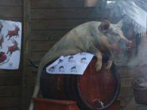 Datini şi obiceiuri: Ritualul preparării porcului, sâmbătă la Muzeul Satului Bucovinean