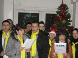 Obiceiuri: Studenţii liberali au colindat Monitorul de Suceava