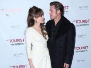 Angelina Jolie şi Brad Pitt se vor căsători la începutul anului 2011, în India