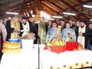Slujba de sfinţire, oficiată de preoţi din toate parohiile din Fălticeni