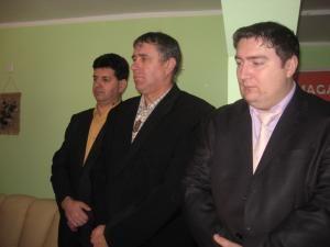 Vasile Domsa, Nelu Todireanu şi Marius Boghian, echipa care a iniţiat şi implementat proiectul de la Mitocu Dragomirnei