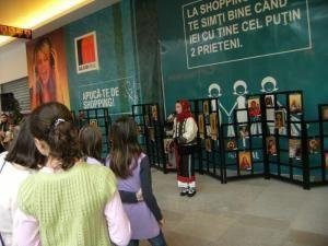 "Vernisaj: ""Minune prea mare"", expoziţie de icoane bizantine, la Iulius Mall"