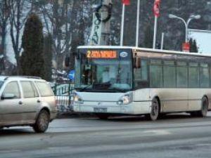 Elevii şi studenţii nu pot primi reduceri la transportul în comun până nu se aprobă bugetul local al Sucevei pe 2011