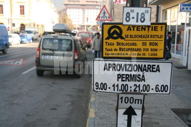 Şoferii care trec prin Gura Humorului au scăpat de stresul de a-şi găsi roţile maşinilor blocate