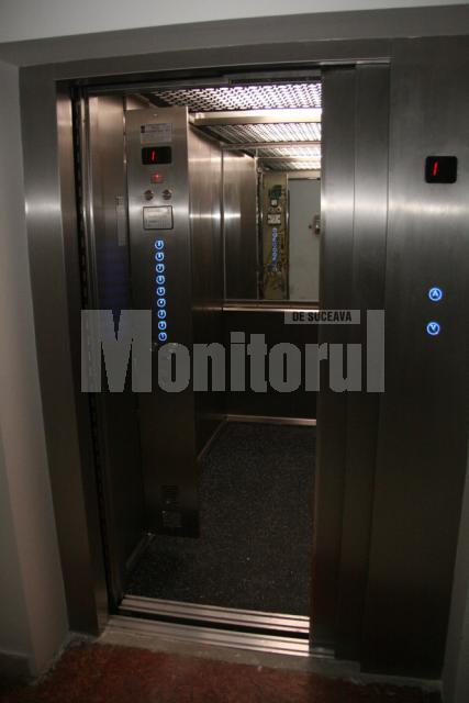 Primele patru lifturi noi au fost recepţionate ieri, în prezenţa preşedintelui CJ, Gheorghe Flutur