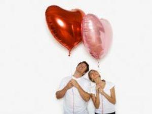Un cuplu nu poate fi definit doar prin sentimentul primelor emoţii. Foto: CORBIS
