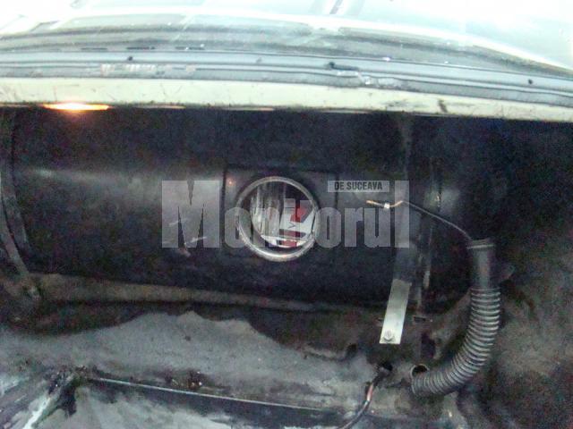"""Poliţia de Frontieră: Chevrolet """"motorizat"""" cu ţigări, confiscat în PCTF Siret"""