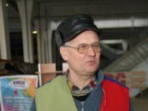 """Doctorul Romeo Uşurelu, preşedintele Asociaţiei crescătorilor de păsări şi mamifere mici de curte """"Fantezia –Ţara de Sus"""""""