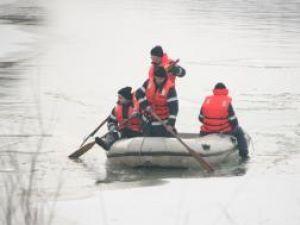După trei zile de căutări, trupul copilului de 11 ani, găsit pe fundul Siretului