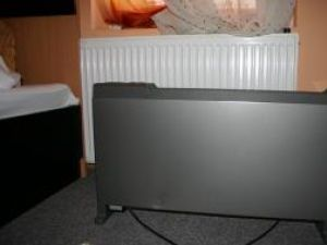 În camerele hotelurilor din Vatra Dornei, radiatoare şi calorifere electrice