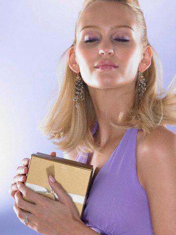 Femeile au mare încredere în produsele cosmetice pe care le folosesc Foto: ZEFA