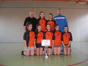Fetele de la Şcoala Miron Costin s-au calificat în ultimul act al Olimpiadei Naţionale a Sportului Şcolar