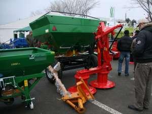 Maşini şi utilaje agricole expuse la Agro Expo Bucovina