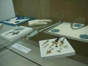 """Expoziţia """"Obiecte masonice din colecţia Muzeului Brukenthal"""""""