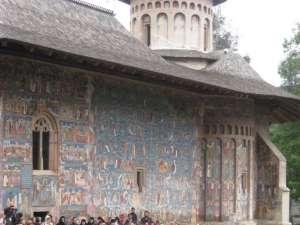 Mănăstirea Voroneţ, monument arhitectonic unic în România