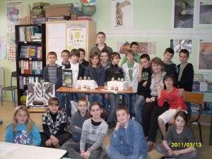 Elevii francezi au învăţat cum se încondeiază ouăle în Bucovina