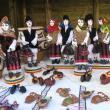 Păpuşi din ceramică în costume populare