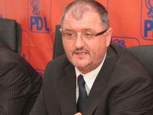 Prim-vicepreşedintele Organizaţiei Judeţene a PD-L, senatorul Orest Onofrei