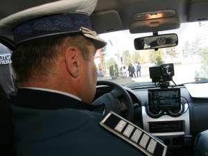 Autospecialele Logan dotate cu camere video şi radare surprind zilnic, în medie, peste 70 de şoferi care încalcă normele de circulaţie