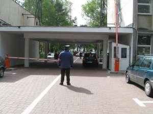 Accesul maşinilor în curtea din faţa Spitalului Suceava va fi permis din vară numai contra cost