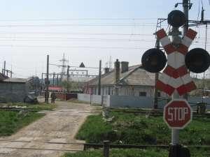 Ana Măntăluţă în locul în care, din cauza proastei vizibilităţi şi a semaforului aflat tot timpul pe roşu, a fost victima unui accident
