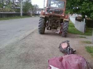 Prin distrugerea celor două parapante, tractoristul a provocat o pagubă de 18.500 de lei