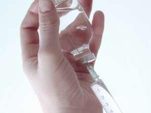 189 de suceveni cu hepatită B, C şi D au fost trataţi anul trecut cu interferon Foto: CORBIS
