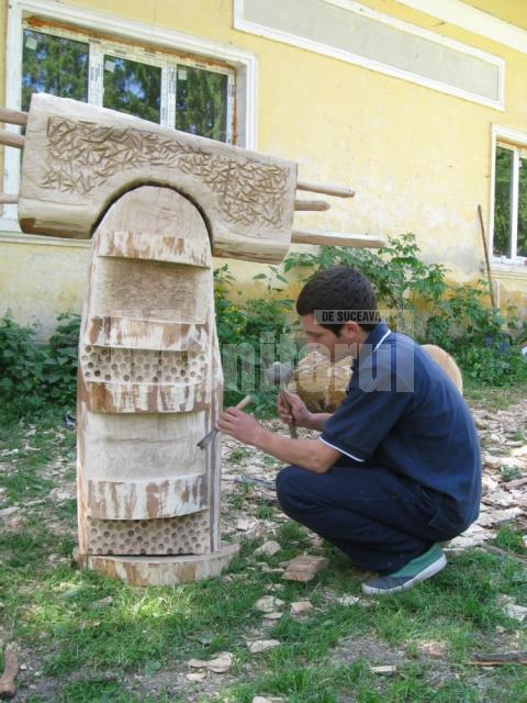 Tabăra de sculptură în lemn