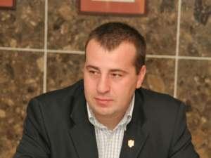 """Lucian Harşovschi: """"Sunt preşedinţi de asociaţii care din ei şi-au acordat bonusuri de peste 100 de milioane de lei vechi"""""""