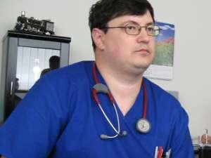"""Dr. Tiberius Brădăţan: """"Bolnavii primesc supe şi ciorbe cu zarzavaturi, salată de varză, mazăre, fructe"""""""