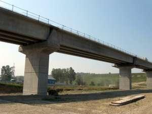 Cel mai mare pod de peste râul Suceava are o lungime de 500 de metri
