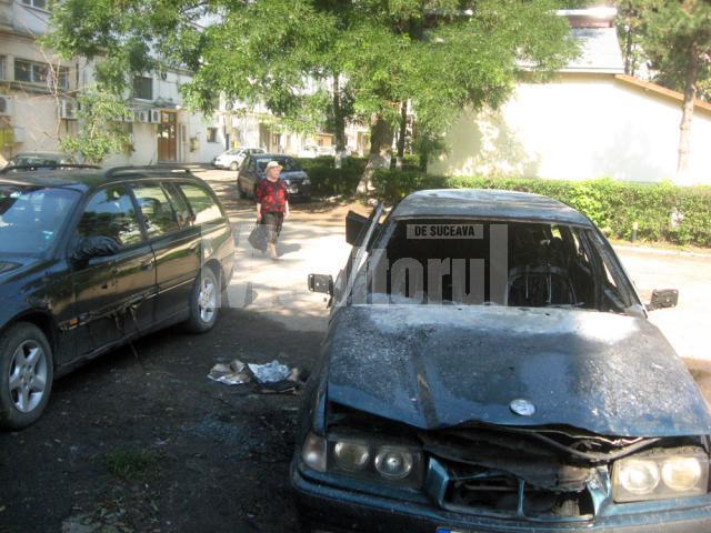 BMW-ul a fost distrus în întregime, iar Opelul avariat