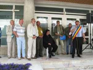 Festivitatea de deschidere a avut loc în faţa Muzeului Obiceiurilor Populare din Bucovina