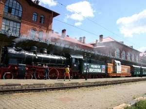 Trenul de epocă circulă spre Cacica, Putna şi Vatra Moldoviţei