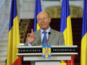Băsescu: Bugetarilor pot să le transmit un singur lucru: că sunt prea mulţi. Foto: Sorin LUPŞA