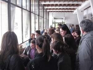 Bursa locurilor de muncă pentru absolvenţi, vineri, în patru municipii din judeţ