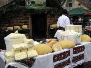 """La Câmpulung, Festivalul """"Drumul Lemnului"""" a asimilat în acest an şi """"Târgul Lăptarilor"""""""