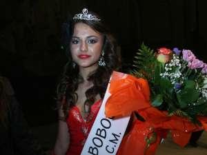 """Angela Atănăsoaie, Miss Boboc 2011 la Colegiul """"Ştefan cel Mare"""""""